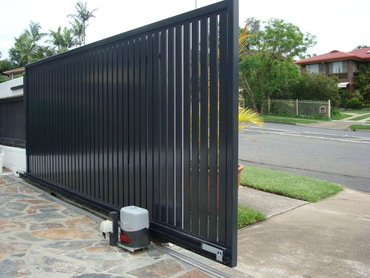Automatic metal driveway sliding gate buy sliding gates for Aluminum driveway gates prices