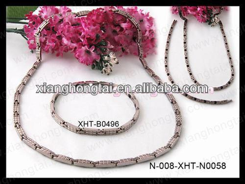 2013 cheap wholesale magnetic silicone necklace health and fashion jewelry