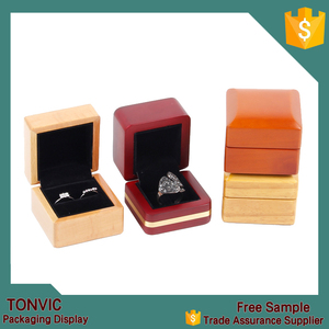 Tonvic Luxury Solid Wooden Engagement Jewelery Ring Box Storage