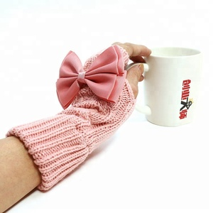 2018 China Factory New With Ribbon Design Cheap Winter Fingerless Custom Knit Mittens Acrylic Red Pink Color