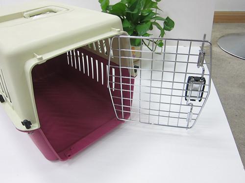 Portable Plastic Pet Flight Carrier Dog Carrier