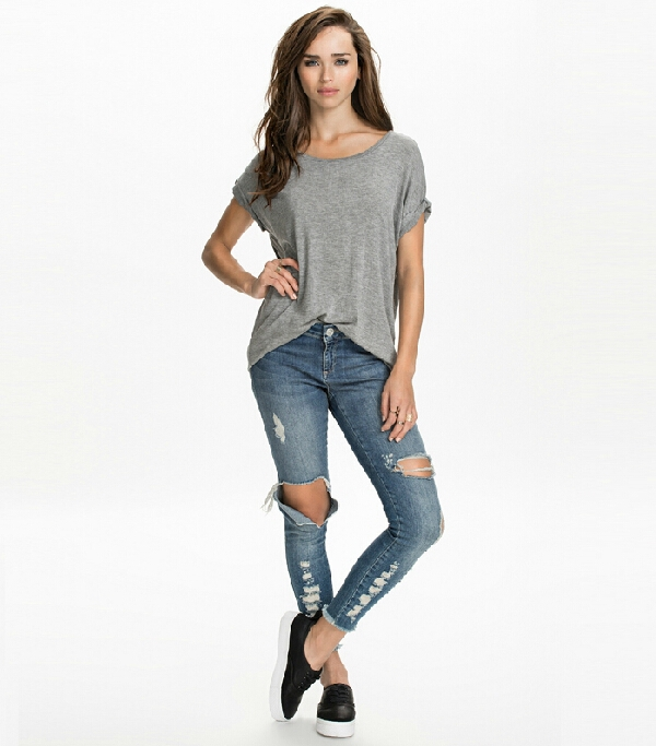 This assortment of new women's clothing includes our GapBody and GapFit collections that offer comfortable sleepwear, loungewear, intimate apparel, and activewear for women. Accessories from Gap will add a touch of color, style, and elegance to any look.