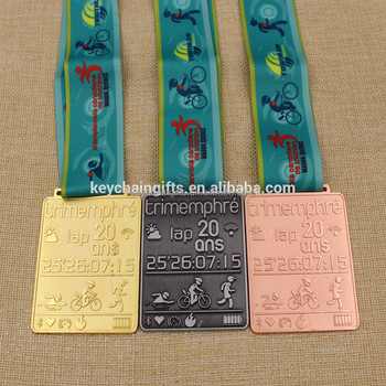 Metal antique gold triathlon sports marathon medals with ribbon