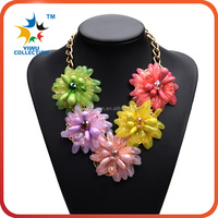 Good quality wholesale fashion vintage flower statement glass beads women necklace