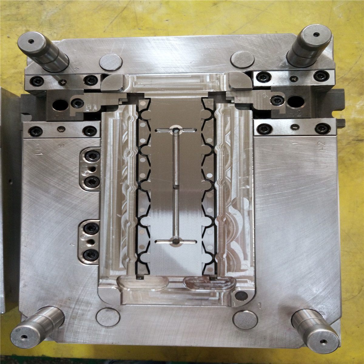 2018 plastic injection mold/molding alibaba best sellers for plastic parts