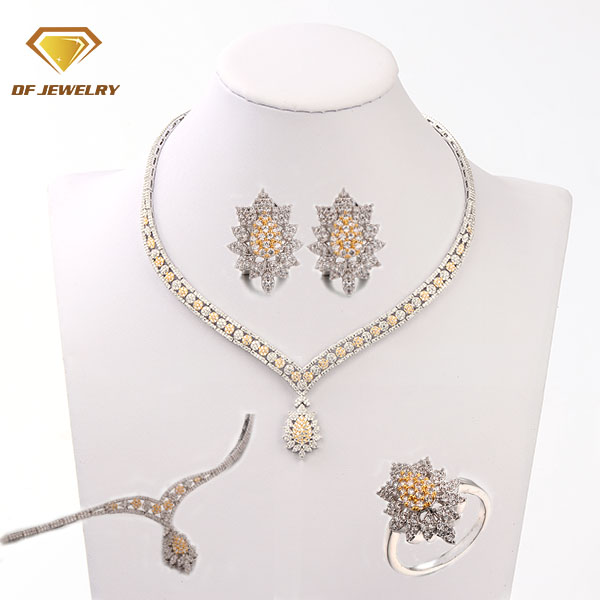 Cheap Price Costume Brass Jewelry Set With AAA Cubic Zircon