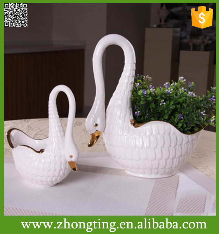 Beautiful modern Home decorative cheap indoor ceramic swan planter