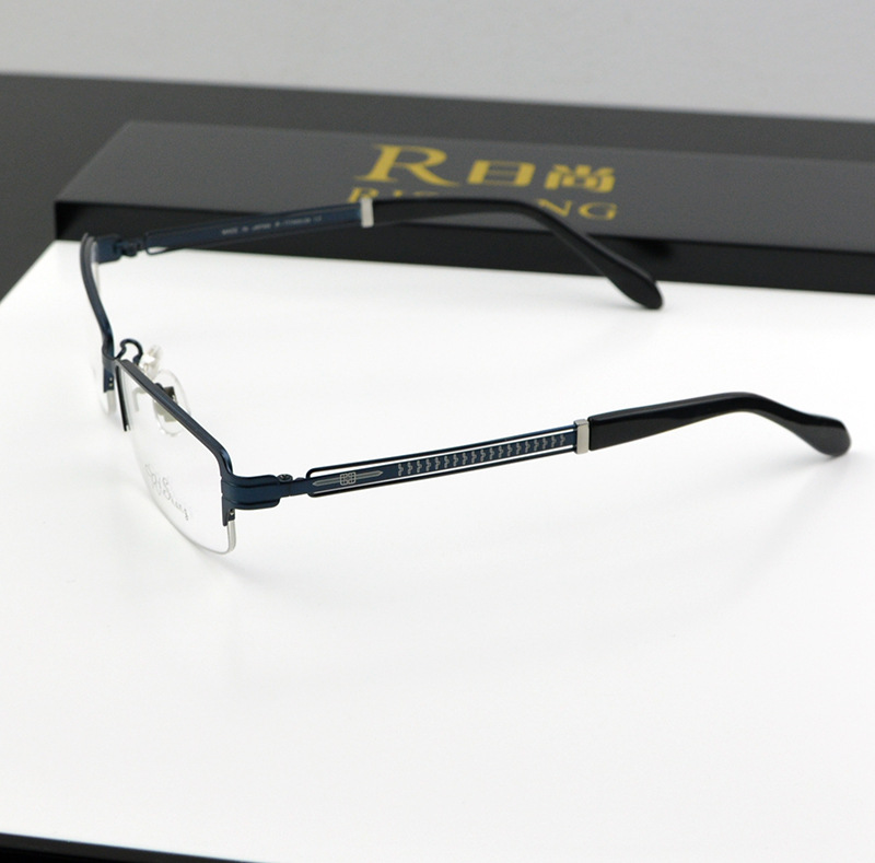 65abea838f6 Get Quotations · Free shipping myopia glasses frame spectacles metal glasses  reading glasses frame 100% pure titanium frames