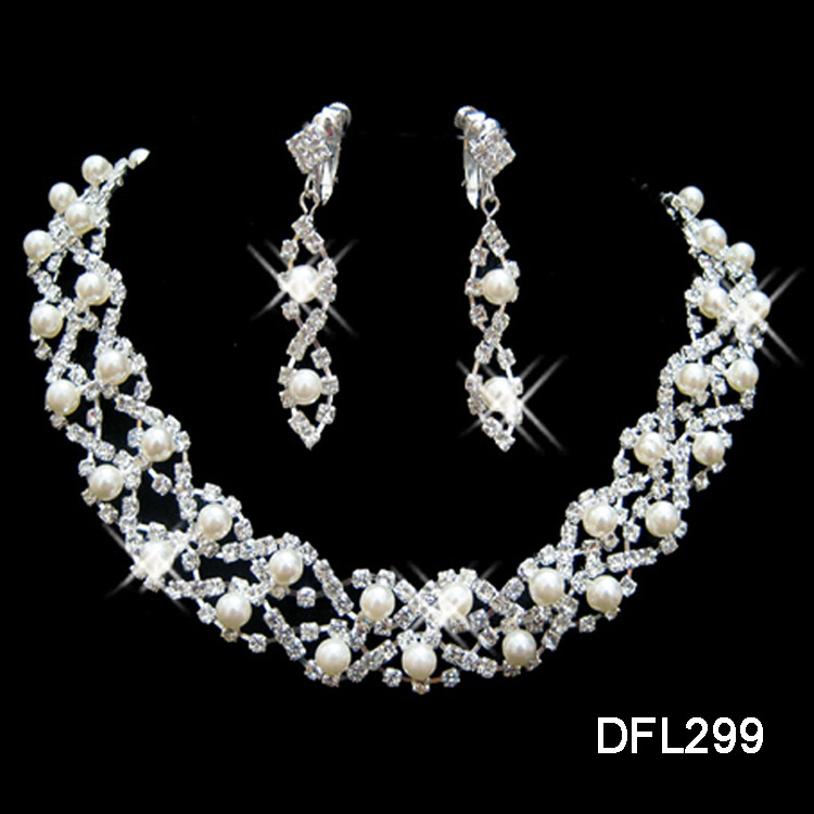 Fake Diamond Necklace And Earring Set