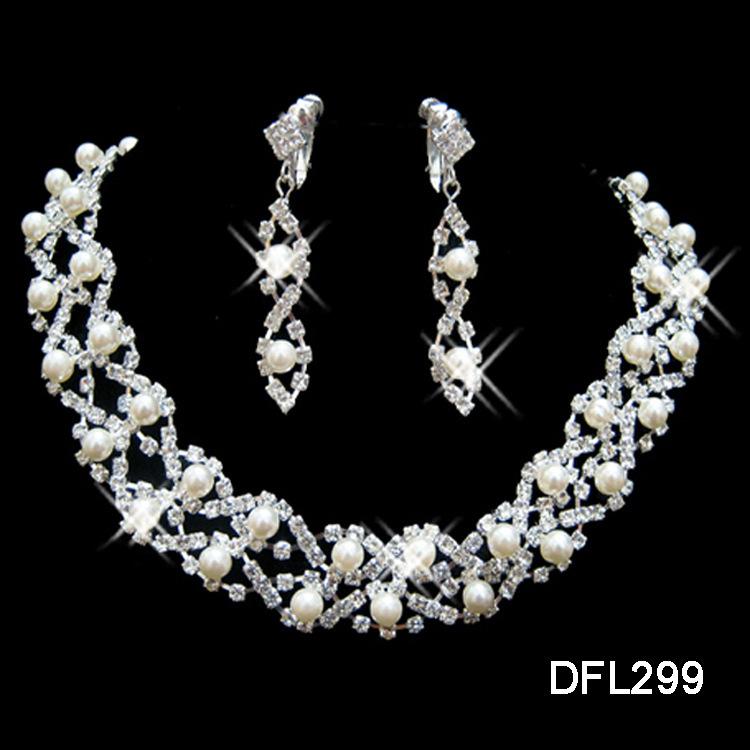 Fake Diamond Necklace Choker