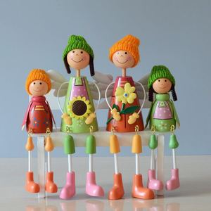 Cheap price wooden doll display home decor
