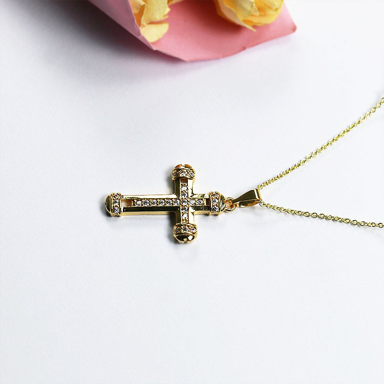 JN LINNA Exquisite and elegant classic cross necklace with small diamond <strong>pendant</strong> JNCC-00004