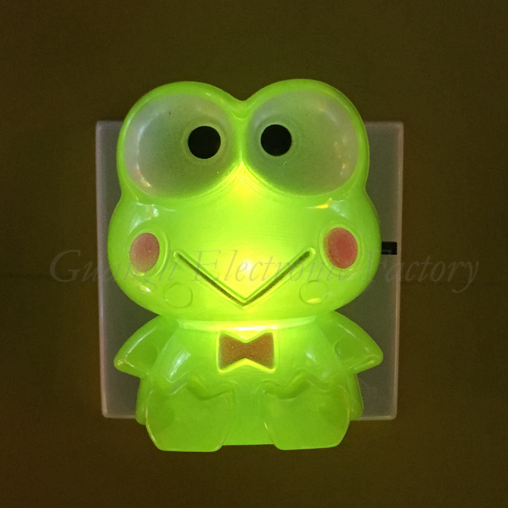 GL-W034 Cartoon shape LED SMD mini switch plug in night light with 0.6W and 110V or 220V W034