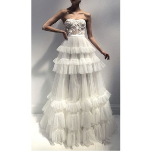 Classy Appliques Strapless Ball Gown Tulle Bridal Gown Wedding Dresses