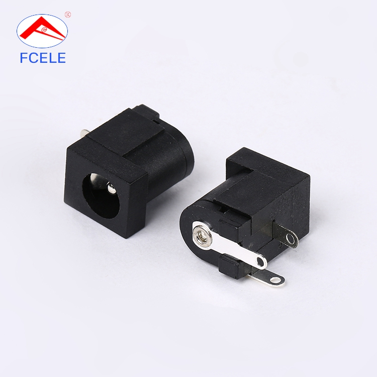 Latest model electrical plug 30v black universal AC/DC power outlet