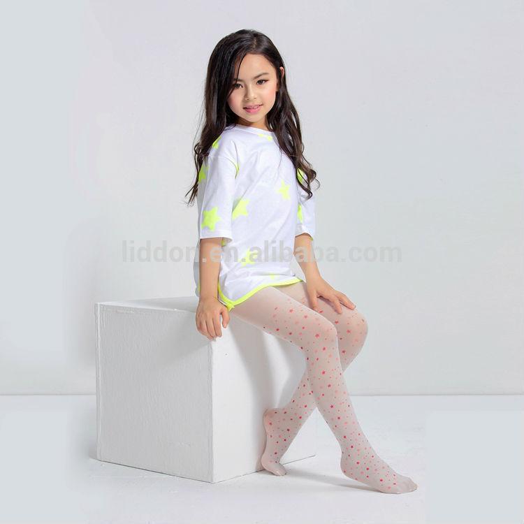 Mädchen in nylon