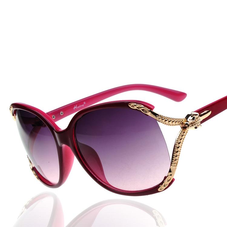 b6ff0f3246ea7 2018 nouveau style de mode femmes vente chaude lunettes de soleil polarisées