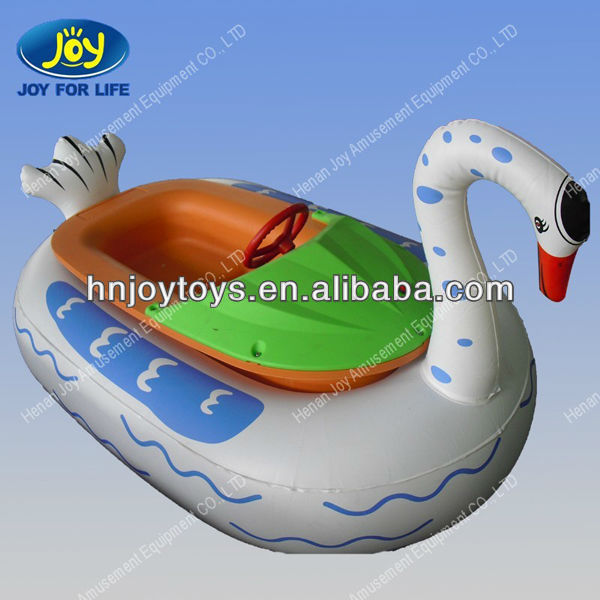 Elettrica in pvc gonfiabile cigno pedal acqua strutture for Cigno gonfiabile per piscina