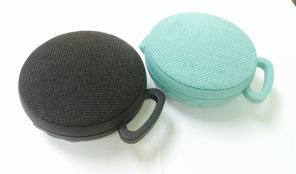 SOOMES Good fabric portable wireless music mini bluetooth speaker bass round shape