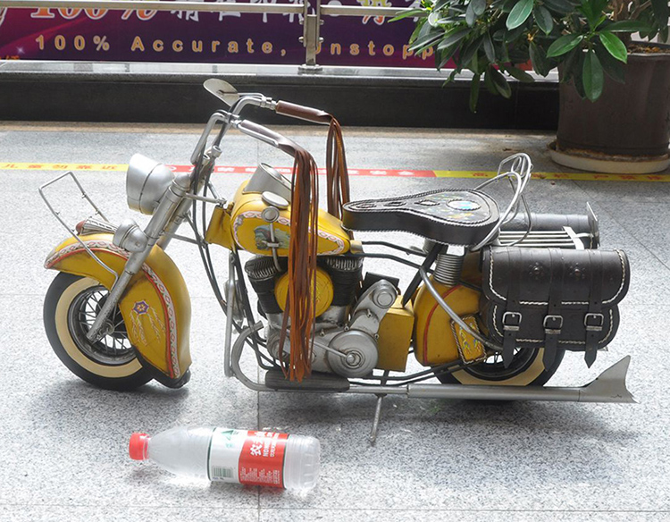 Classic Retro Iron Metal Motorcycle Model Decoration Ornaments Home Furnishing Vintage Motorbike 1:6 Scale