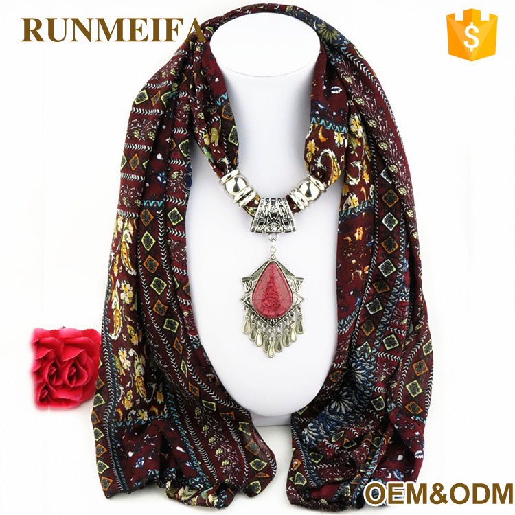 Fashion Print Polyester Fabric Jewelry Accessory Scarf With Heart Glass Beads