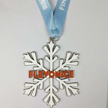 Low price Customized personalized silver large Snowflakes shape medal with no minimum order