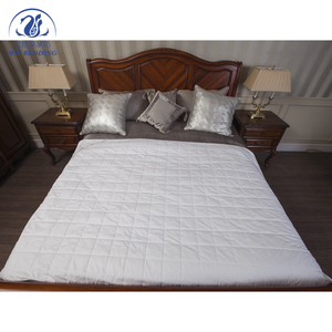 white indian cotton fitted quilted bedspread and quilts