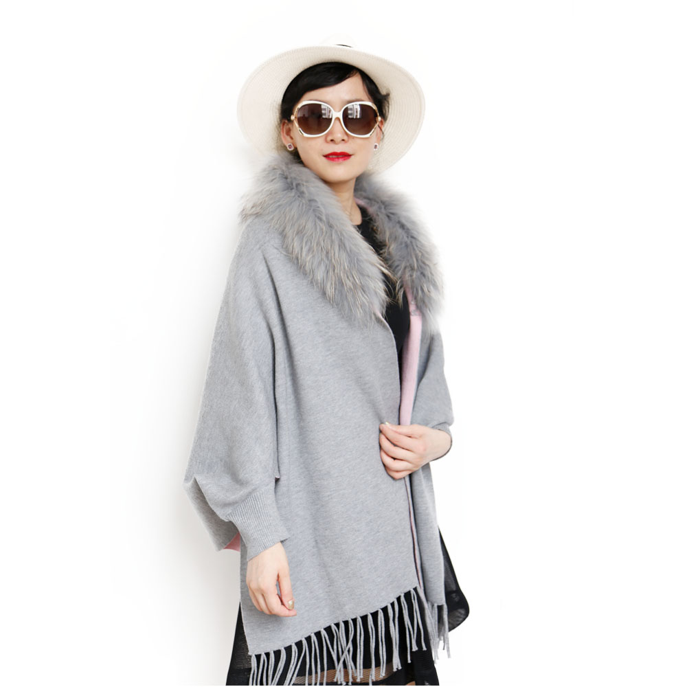 Winter two colors sides lady fur long shrug with raccoon collar фото