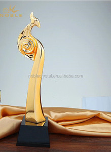 Wholesale Customized Gold Plated Resin Rooster Trophy Figurine