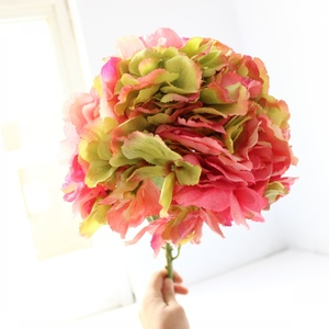 Hot sale European style embroidered ball for wedding decoration artificial hawaiian lei