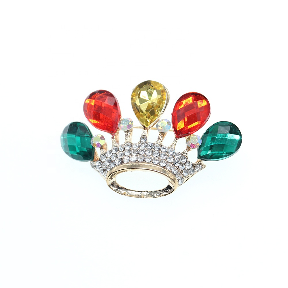 New Wholesale fashion colorful crown brooch color acrylic white rhinestone crown brooch for gifts фото