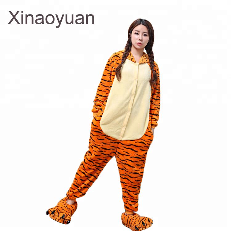 1a9c46d91ea Groothandel flanellen stof kigurumi tigger onesie voor volwassenen cosplay  pyjama kinderen nachtkleding winter