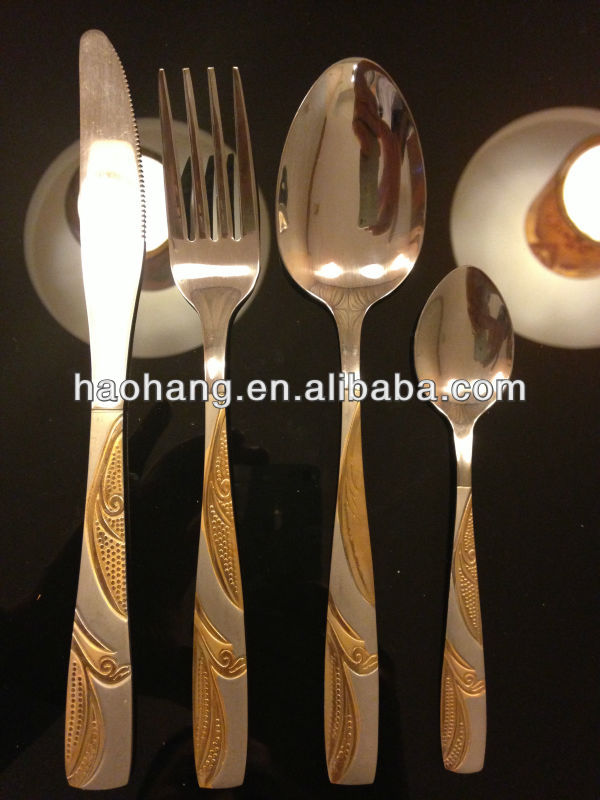 24pcs stainless steel 18/0 gold Flatware set plastic fork