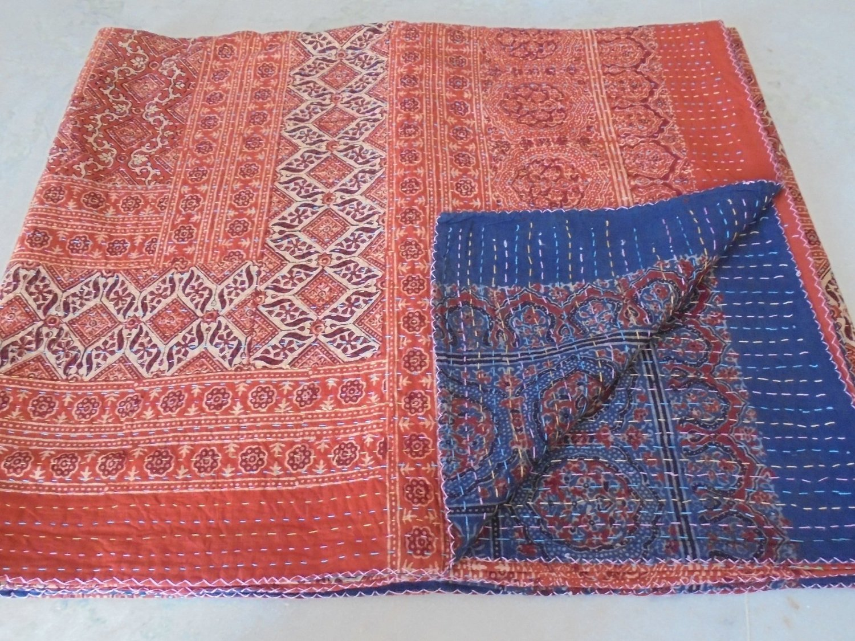 Queen Size Ikat Kantha Quilt, Reversible Bedcover Bedding Indian Throw, Kantha Quilt, Bohemian Kantha Bedspread, Indian Kantha Decor