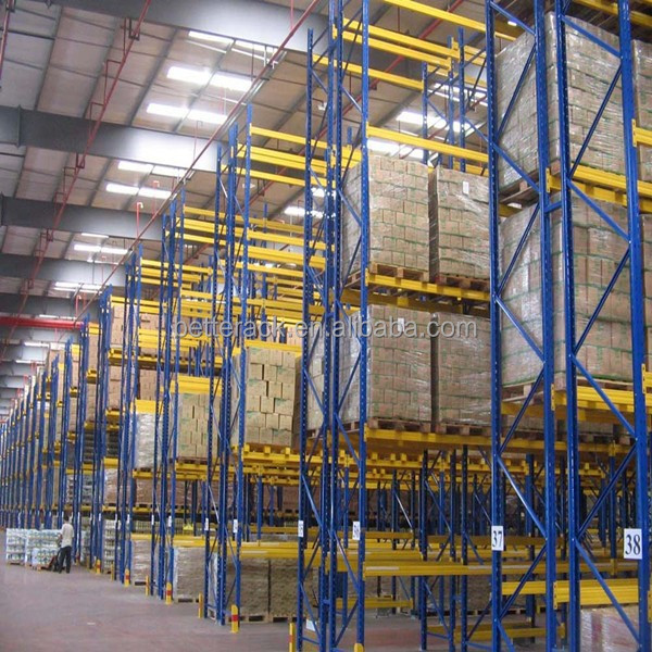 Narrow aisle carton flow rack rail with forklift and wood pallet