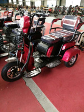 small electric elderly scooter 3 wheel battery operated tricycle split differential vehicle