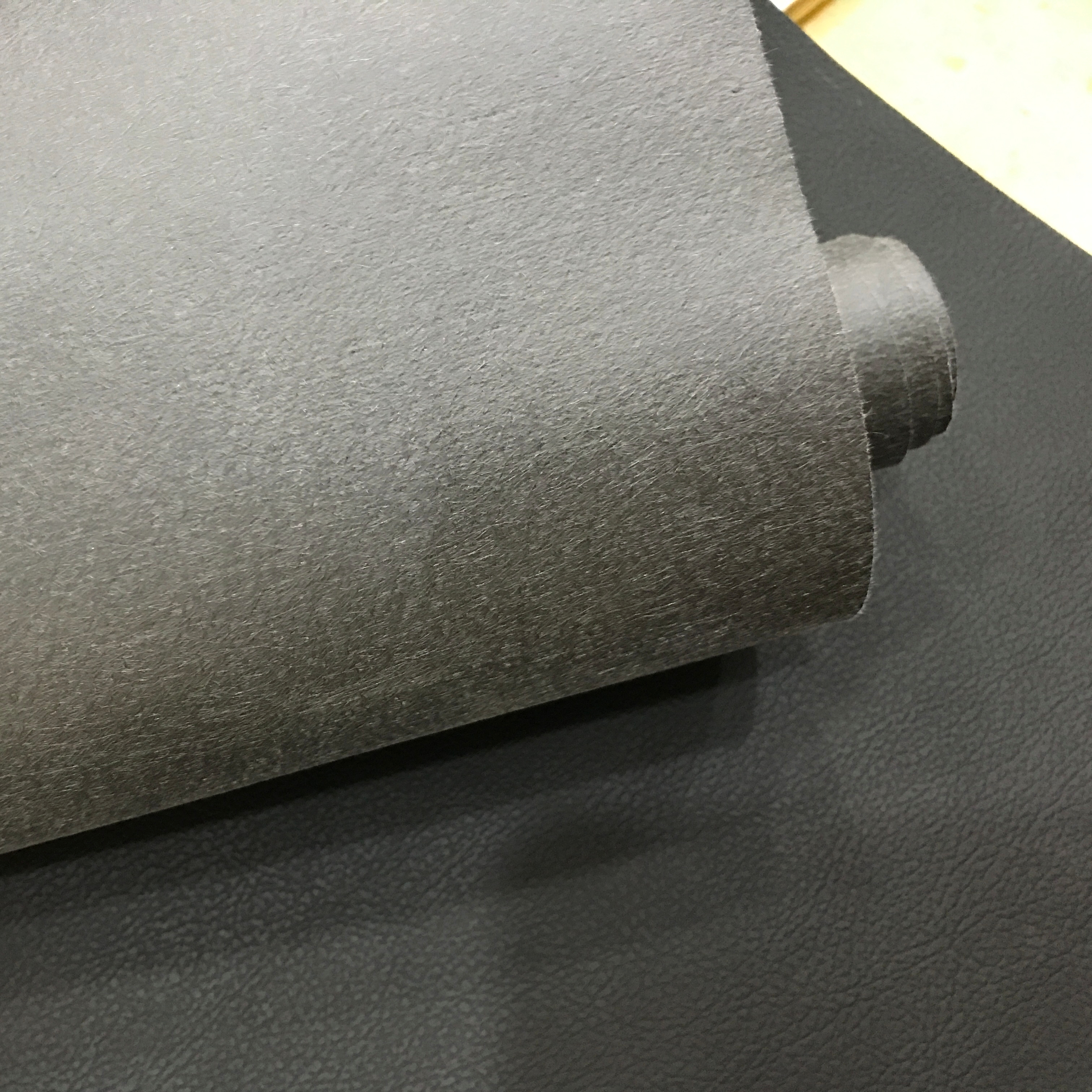 0.5mm Artificial PU /pvc <strong>leather</strong> for Mobile phone case, photo album packaging, tablet computer use