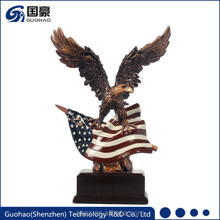 Wholesale resin american spread eagle birds figurines for sale