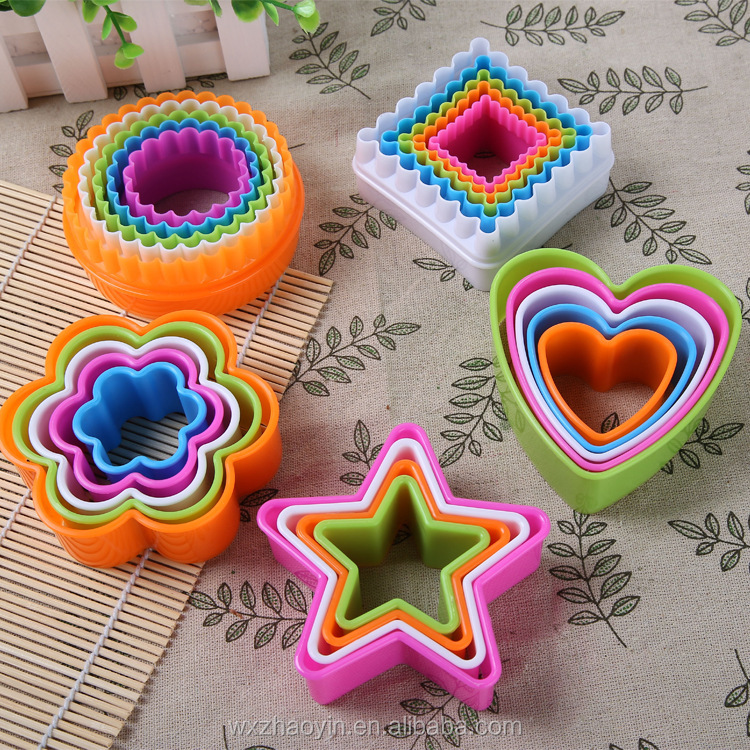 Hot Selling Food Safety Cute Plastic Cookie Cutter Molds With Best Price