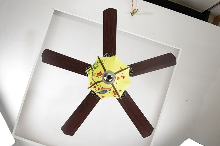 Made in china promotional 5 wooden blades ceiling fan light