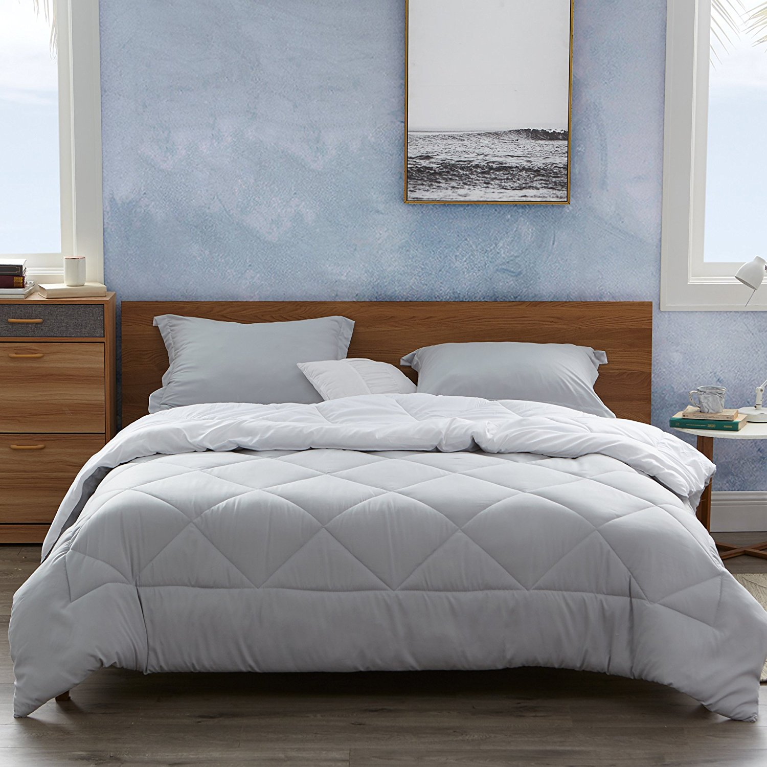 Byourbed Glacier Gray/White Twin Comforter - Oversized Twin XL Bedding