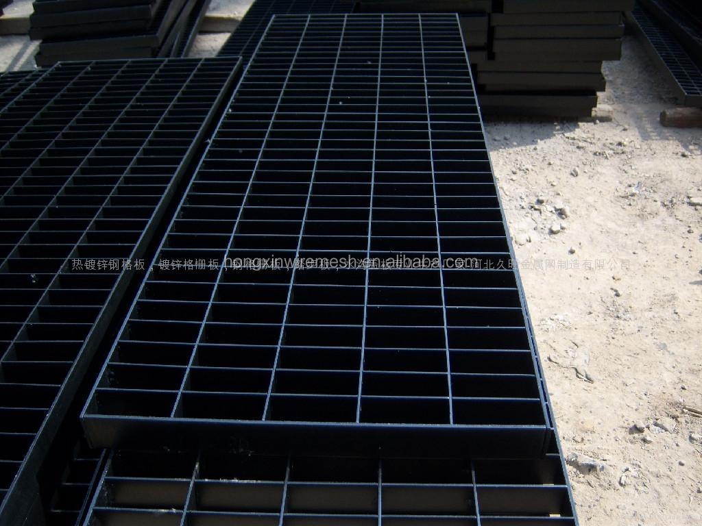 Hot-dipped galvanized,Painted,Untrea Plain Serrated drainage grates for driveway factory
