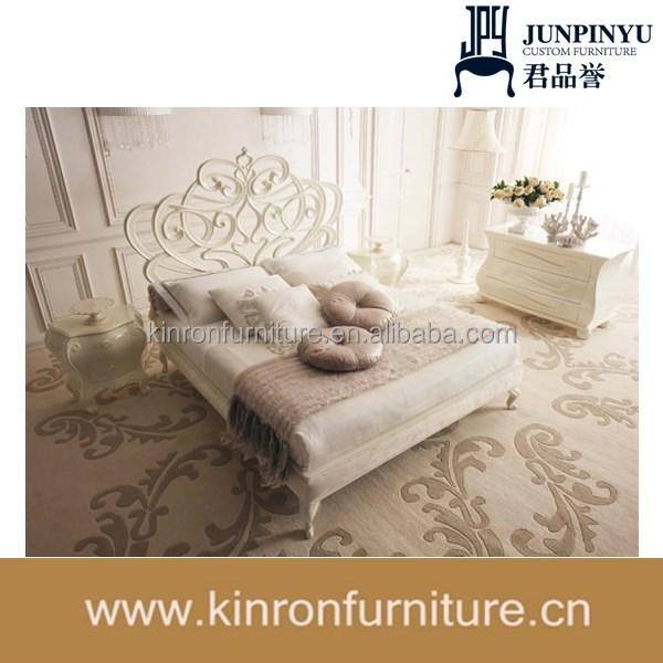 accogliente eleganti mobili in camera da letto con cuscini per ... - Cuscini Per Camera Da Letto