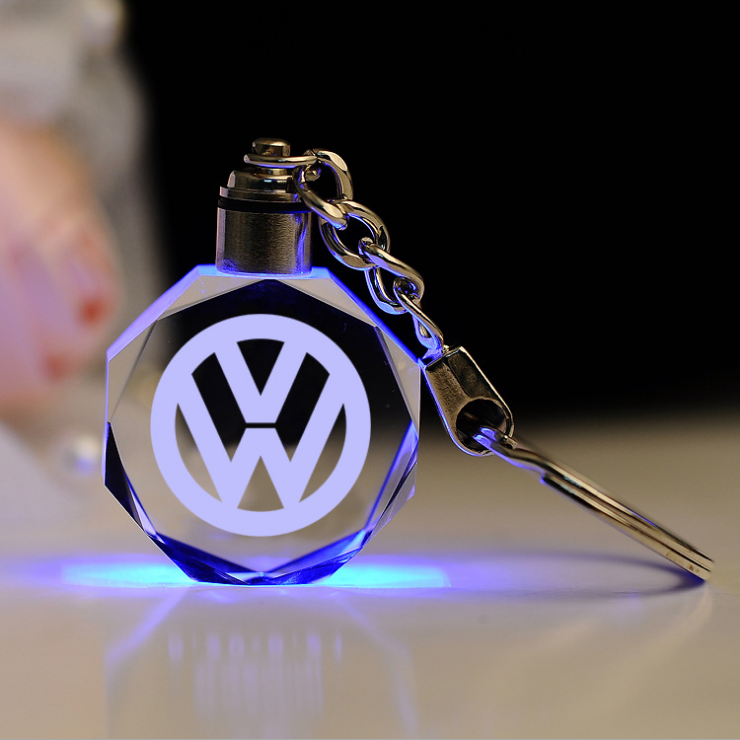 Encontre o melhor fabricante chaveiros personalizados para carros e  chaveiros personalizados para carros para o mercado falante de portuguese  no alibaba.com 1eca245817c