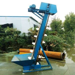 Small driving power transport sand Bucket lift in China