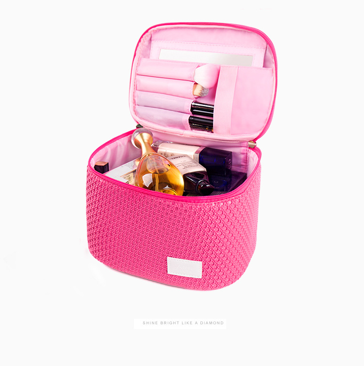 2017 China professional vanity trolley makeup box beauty case with mirror light ladies makeup kits
