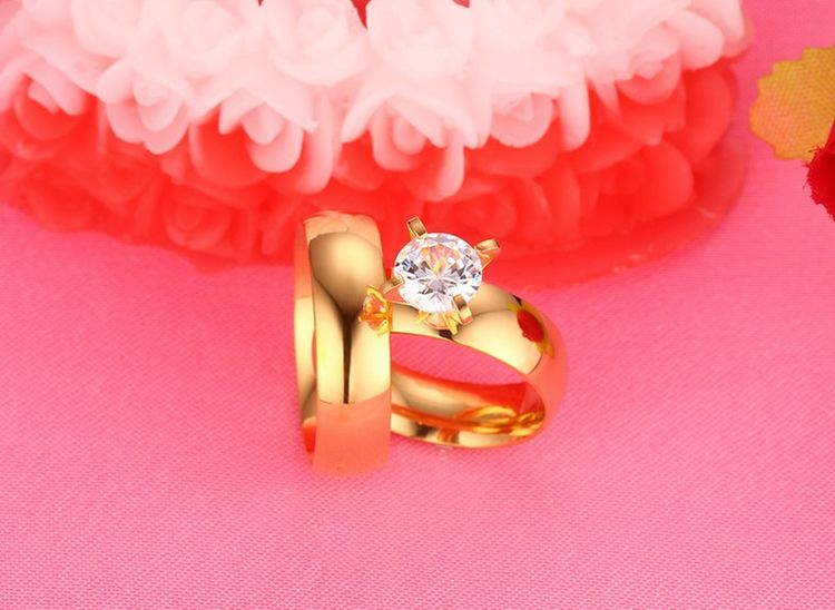 Fashion Gold Plated 6mm Couple Rings AAA Zircon In Four Claws Titanium Steel Rings