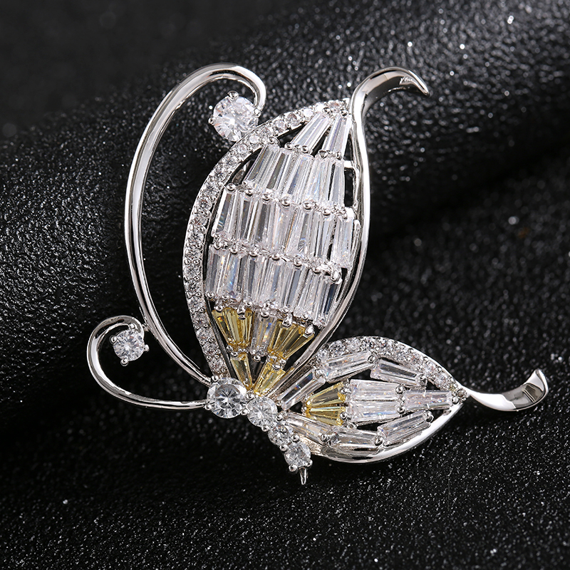 China factory wholesale delicate decoration charming zircon jewelry insect butterfly brooch