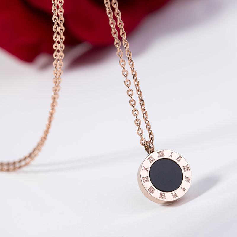 45a6d3163795 2019 regalo de mujeres hermosas huevas chapado en oro cadena doble de acero  inoxidable colgante de