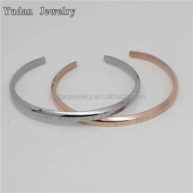 China Manufacturer Custom Letter engraved stainless steel D bangle